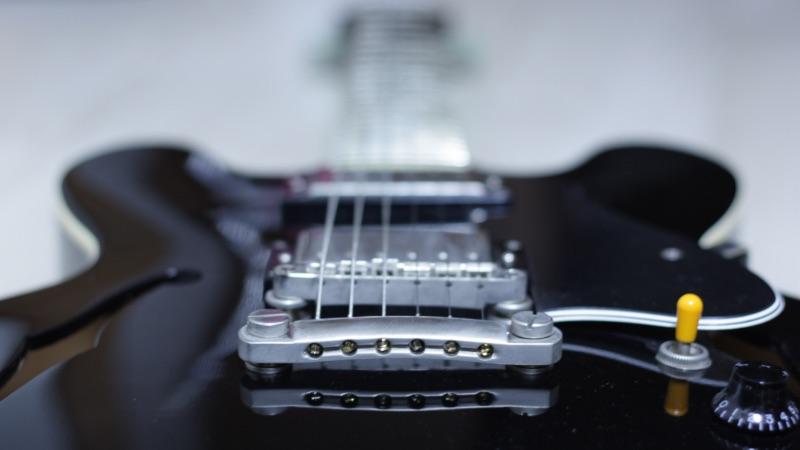 初心者にもおすすめ!お金をかけずにサマになるギター